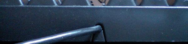 ケーブルが出ている部分の写真