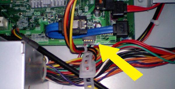 フロントパネルUSB端子用コネクタの写真