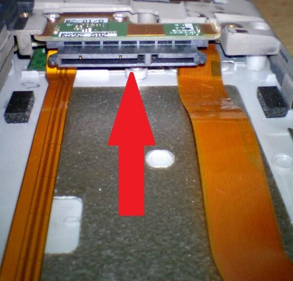 sataコネクターの位置を示す写真